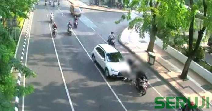 Kecelakaan di Jalan Darmo Surabaya