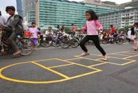 Mari Kenalkan Permainan Sunda Manda Pada Anak