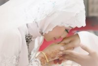 4 Perbedaan Istri Solehah dan Istri yang Biasa