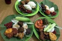 Nasi Jamblang Ibu Nur, Apa Nikmatnya?