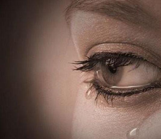 kata-kata sedih menyentuh hati wanita