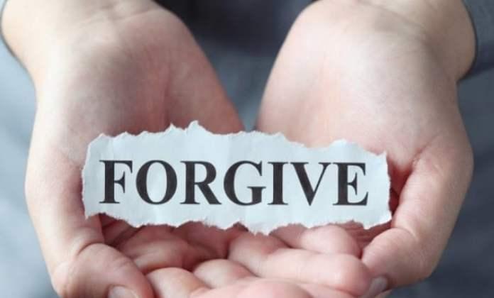 Pikirkan 5 Hal Ini Ketika Kamu Sulit Memaafkan Orang Lain