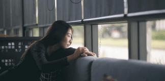 7 Cara Ampuh Melepaskan Beban Pikiran Agar Hidup Lebih Bahagia