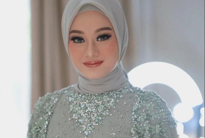 7 Tutorial Make Up Sederhana Bikin Kamu Cantik Memesona