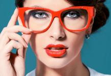 8 Tips Makeup untuk Wanita Berkacamata