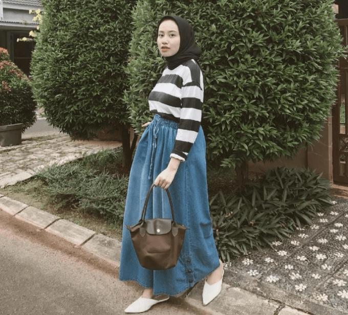 25 Inspirasi OOTD Kulot Jeans untuk Wanita Berhijab