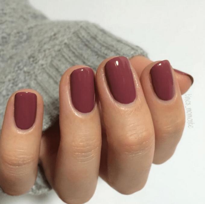 10 Warna Kutek yang Cocok untuk Kulit Sawo Matang