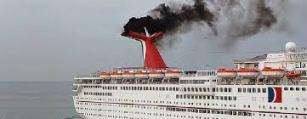 crucero contaminando