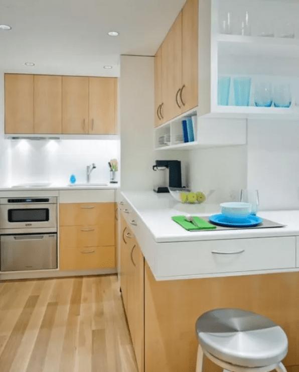 Stylish yet Simple Kitchen Design