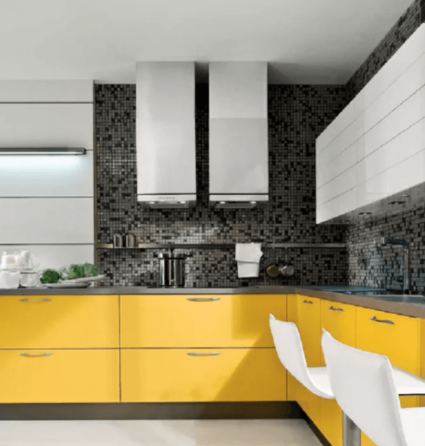 Family-Friendly L-Shaped Kitchen Area