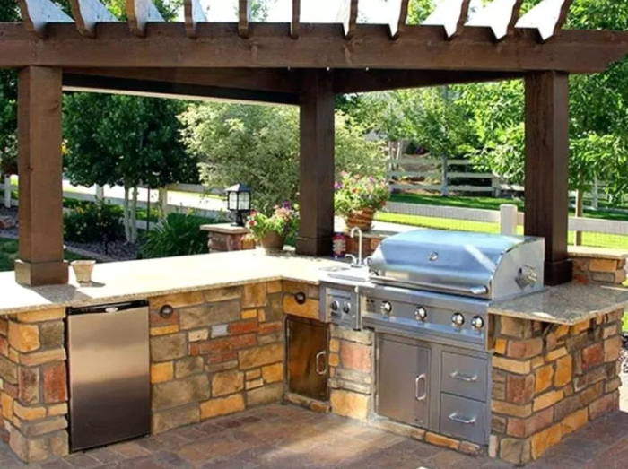 small outdoor kitchen ideas by Thelodge.club