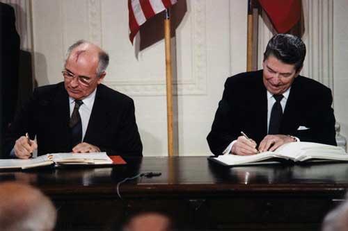 reagan gorbachev signing at www.servetolead.org