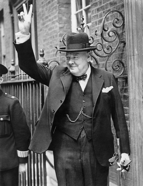 Winston Churchill v sign hat bow tie at www.servetolead.org