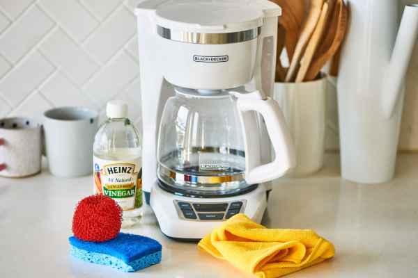 %search_query% Terkadang cairan pembersih mesin kopi bisa sangat mahal, melalui ulasan ini membersihkan mesin pembuat kopi menggunakan cuka putih