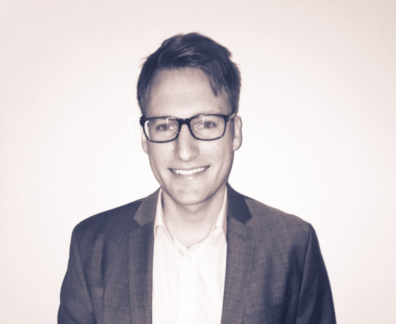 Simon Tonat Portrait