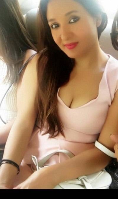 escort service in Royal Plaza Hotel, Delhi