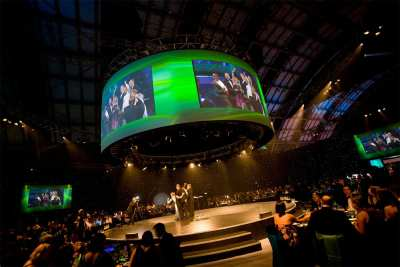 A-to-V-and-Christie-in-Giant-360-Cooperative-Good-With-Food-Events-Large-Venue-Rental-Staging-Image3
