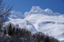 Merengue espectacular del pico Llana de la Garganta en el Macizo del Aspe.