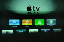 Interface de Apple TV para gestionar imágenes a través de dispositivos de Apple.
