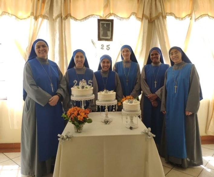"""25 años de la fundación del monasterio """"Santa Isabel de la Trinidad"""" en Perú"""
