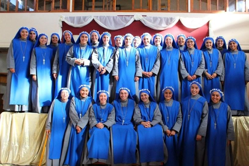 Hermanas de Argentina el día de su primera profesión