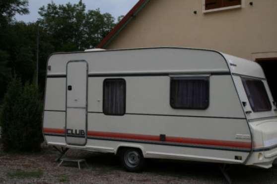 Amenagement Caravane 4 Places Excellent Laccs La Place Du