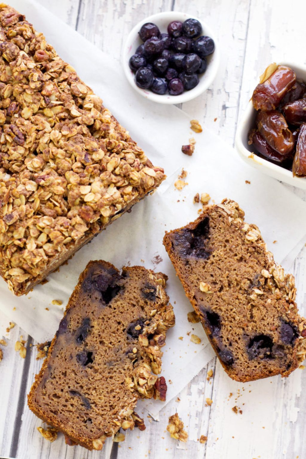 vegan bluberry muffin loaf with dates