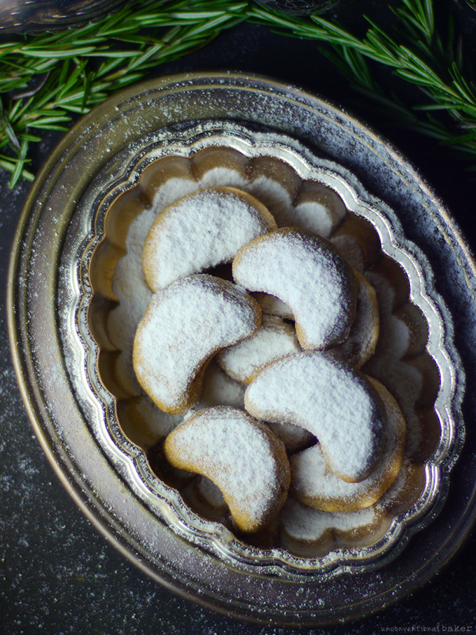 almond-crescent-cookies-gluten-free-dairy-free-eggless-refined-sugar-free