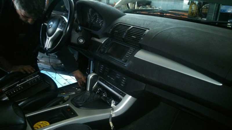 BMW X5 problem sa vratima
