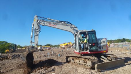 Brand New Reduced Tail-Swing TB2150 - SERV Plant Hire