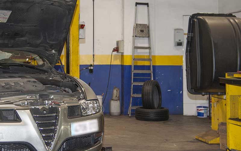 ServyCar Tu Taller mecanico automovil multimarca zaragoza centro Sl01 In01 Estamos En El Centro De Zaragoza calle diputados 3 5 - Muy cerca de ti - - que resuelve Servycar