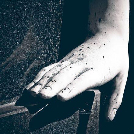 Les doigts blancs... le premier signe d'alerte d'une maladie de Raynaud