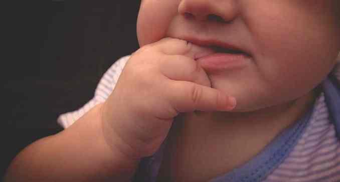 Les précautions d'usage doivent impérativement être respectées avec les bébés