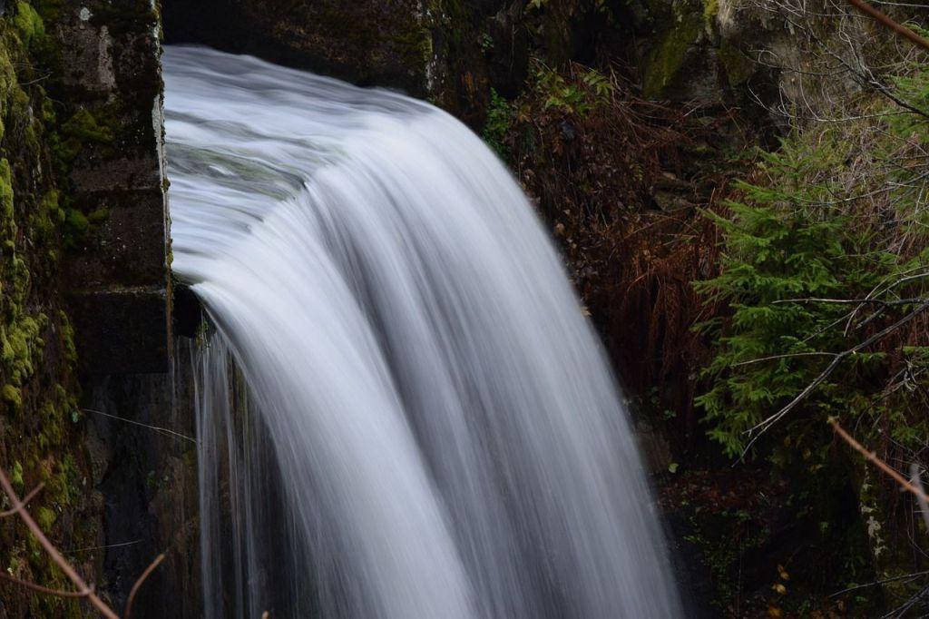 Améliorer le drainage facilite l'évacuation de l'eau retenue