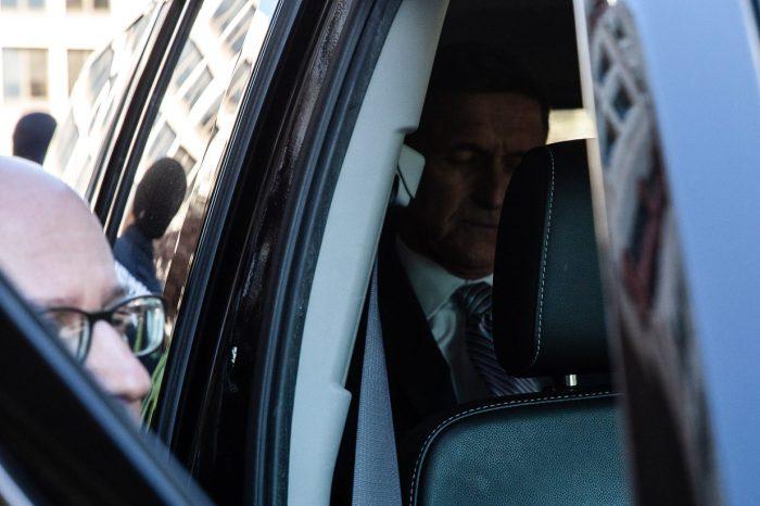 Trump Eski Ulusal Güvenlik Danışmanı Michael Flynn'i Affetti