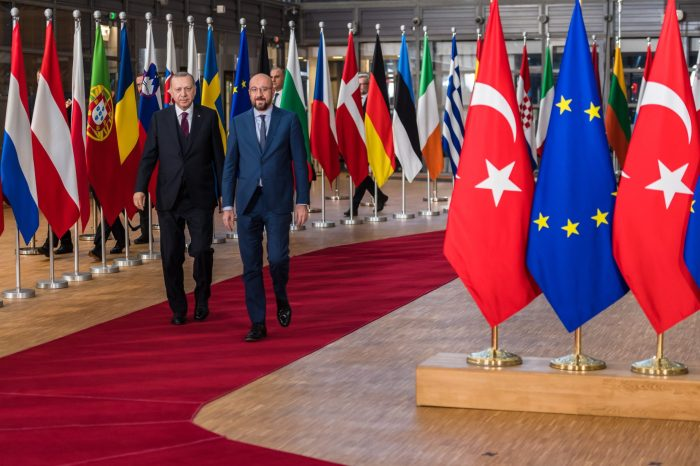 EU must distance itself from French aggression, Greek maximalism