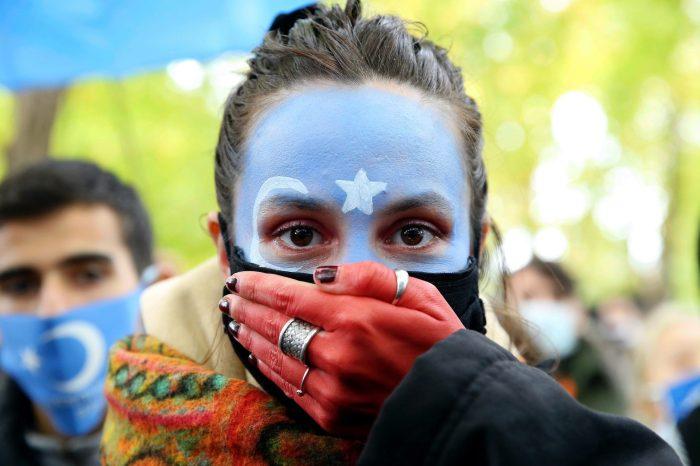 ABD Çin'i Uygurlara Soykırım Uygulamakla Suçladı