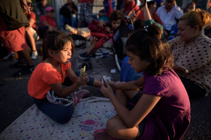 Meksika Sınırındaki Sığınmacı ve Göçmen Krizi Biden Yönetimini Zorluyor