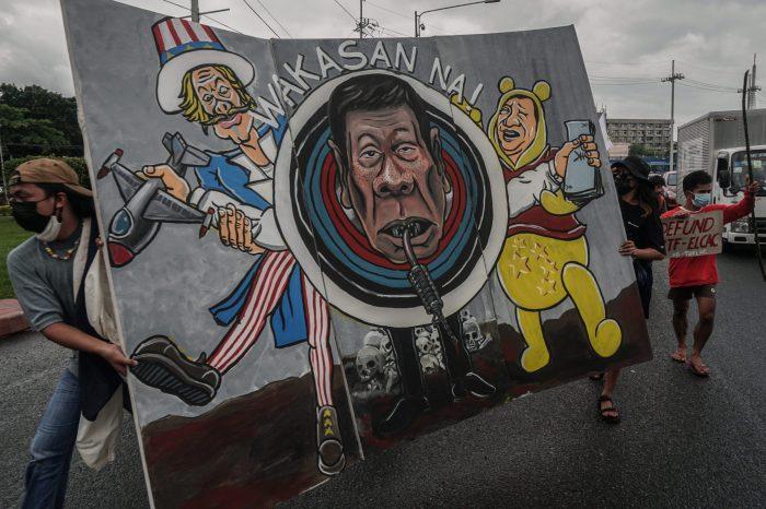 Duterte, ABD'yle Ziyaretçi Kuvvetler Anlaşması'nı Fesihten Vazgeçti