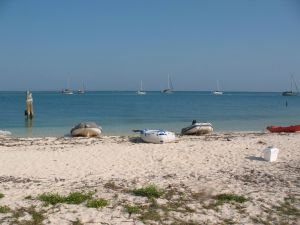 Dinghy on the beach at Garden Key