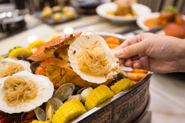 CLIENT Wok Master 01 Wok Master (一品锅): Seafood Platters & Zi Char Dishes In The Comfort Of This Restaurant In Jurong