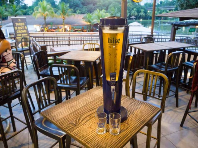 quench bar and bistro 1 10 Bars In Singapore With The Cheapest Beer Towers Under S$50