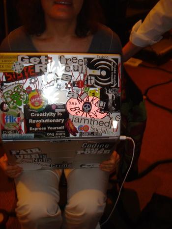 Defaced_laptop
