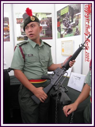 One of the Palapes Student explaining about the M-16