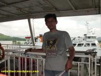 dekat kapal