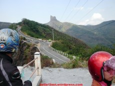 jalan ke gunung kelud