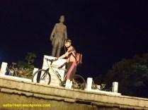 didepan patung pangsud surabaya