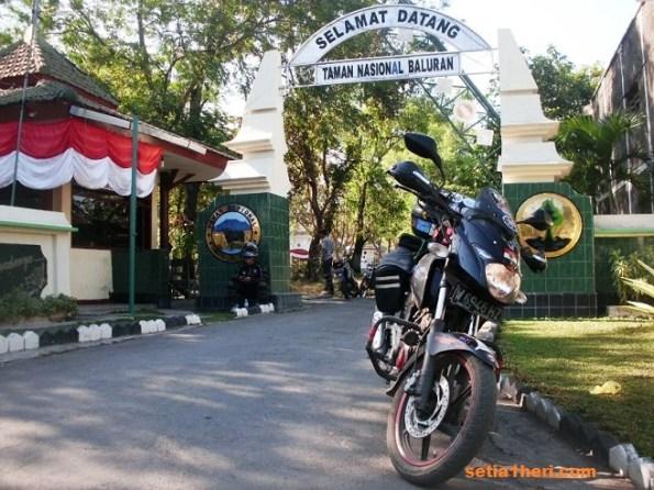 pintu gerbang TN Baluran