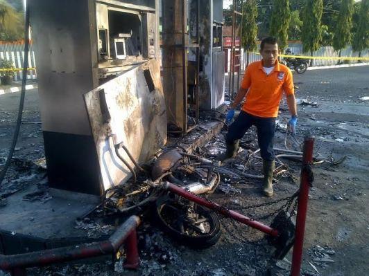 spbu terbakar akibat tangki motor bocor