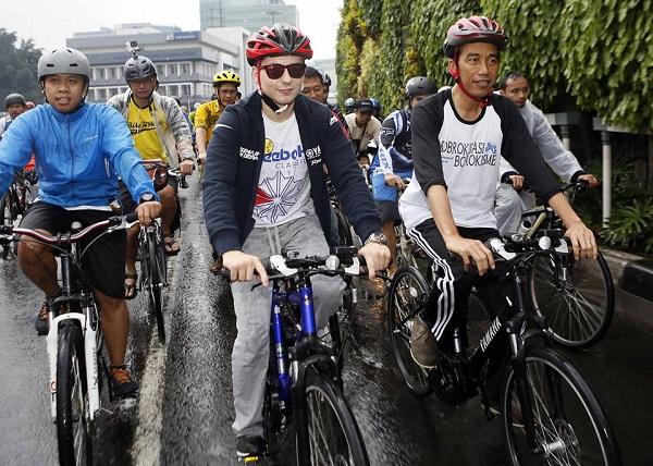 Di Januari 2014 Jorge Lorenzo sepedaan bareng Presiden Joko Widodo yang saat itu menjabat sebagai Gubernur DKI Jakarta